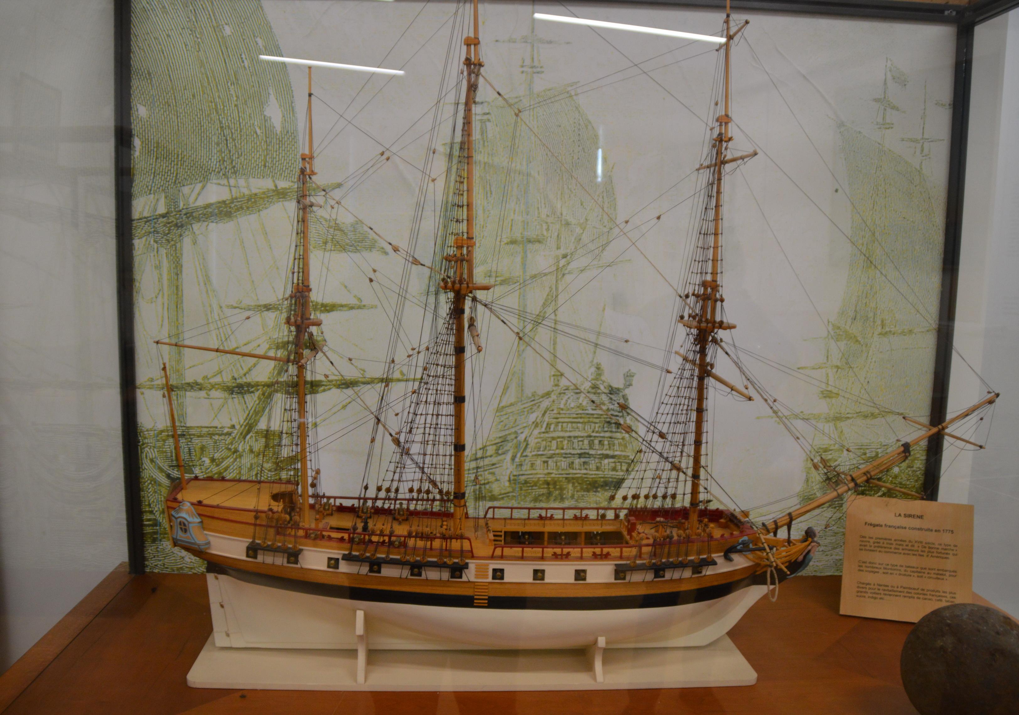"""""""La Sirène"""" exposée au musée de la Marine en bois duBrivet"""
