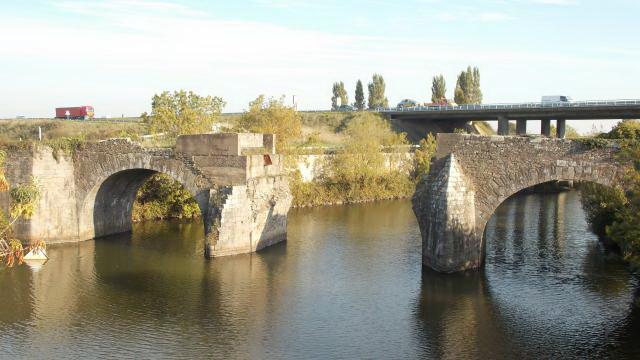 le-vieux-pont-de-mean-veut-sortir-de-loubli (1)