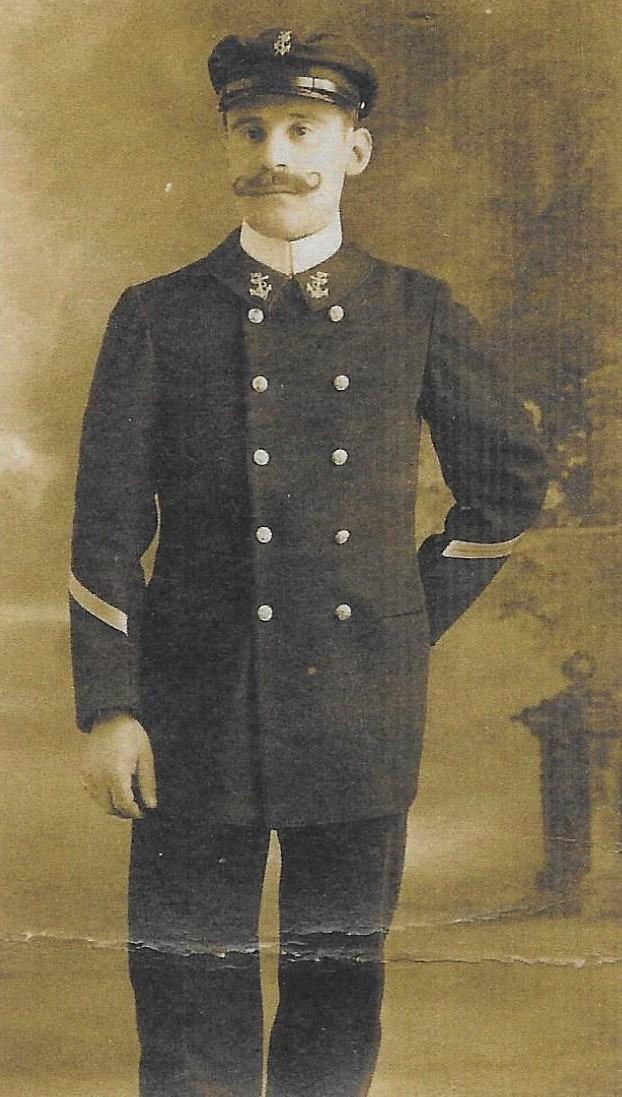 Emile Jules Allain- jeune officier de la marine marchande -non datee-