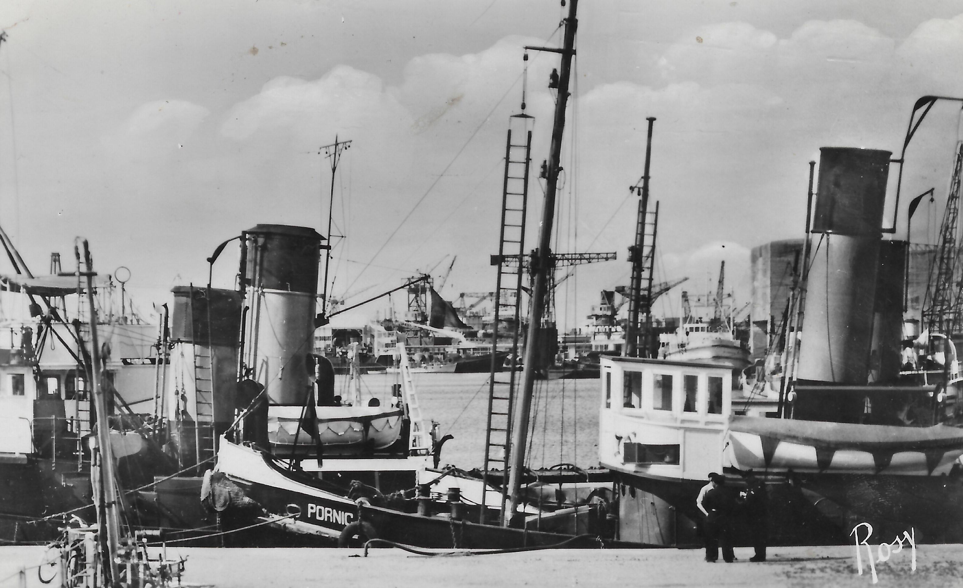 remorqueur Pornic dans le port de Saint-Nazaire- vers 1952-53